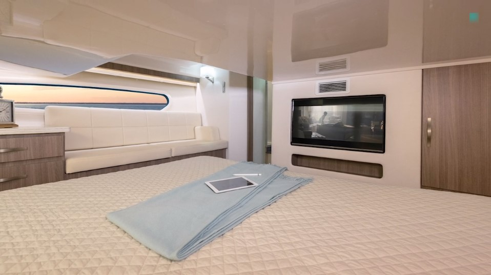Midship cabin