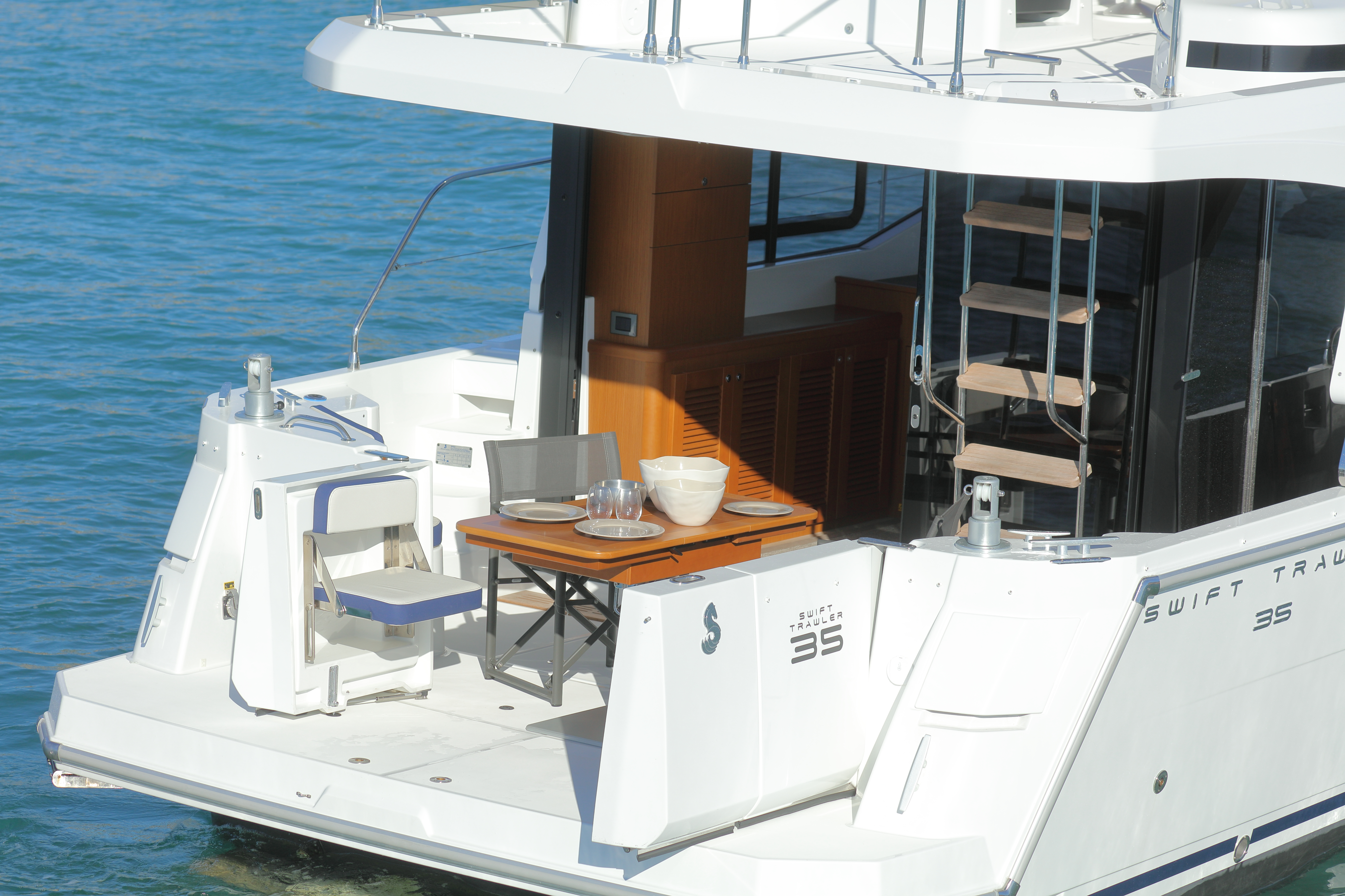 Beneteau Swift Trawler 35 Cockpit