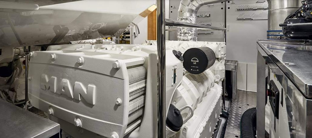 Monte Carlo Yachts 80 engine room