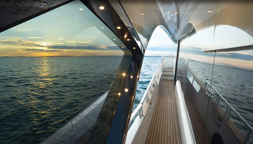 Monte Carlo Yachts 80 port side passage