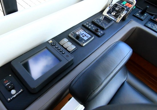 Riviera 575 SUV autopilot and cat display