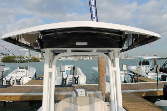 Robalo 246 Cayman t-top truss design