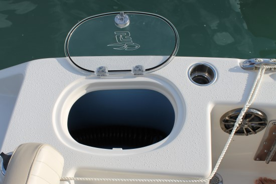Sea Chaser 24 HFC 25-gallon livewell