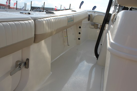 Sea Chaser 24 HFC horizontal rod holders