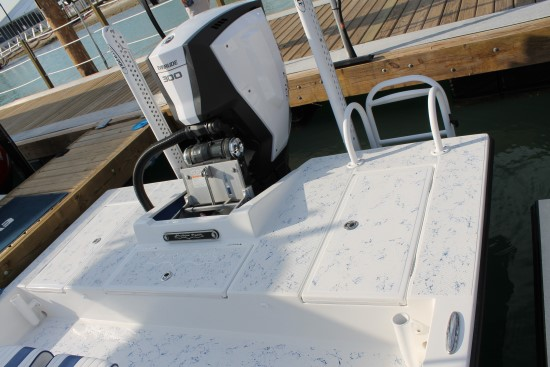 Shallow Sport 25 X3 rear deck open