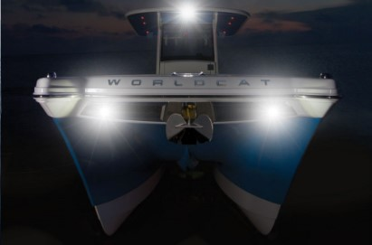 World Cat 280CC-X docking lights