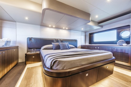Absolute 58 Fly master stateroom