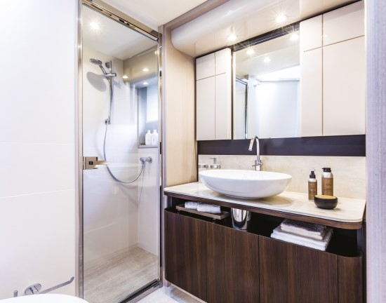 Absolute 58 Fly VIP ensuite