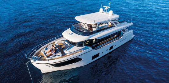 Absolute Navetta 73 bow features