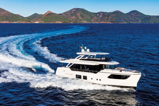 Absolute Navetta 73 running 1