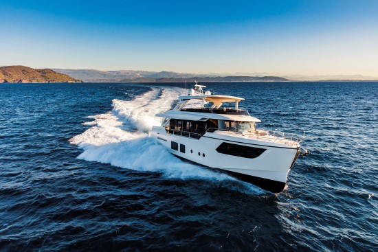 Absolute Navetta 73 running 2