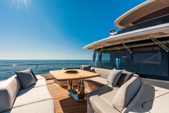 Absolute Navetta 73 expanded table