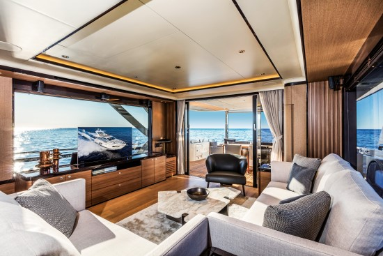 Absolute Navetta 73 electric lift tv