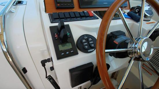 Back Cove 32 bow thrusters