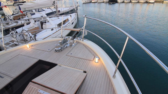 Beneteau Monte Carlo 6 pop up lights