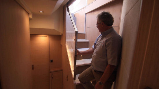 Beneteau Monte Carlo 6 stairs