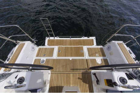 Beneteau Oceanis 35.1 hatches