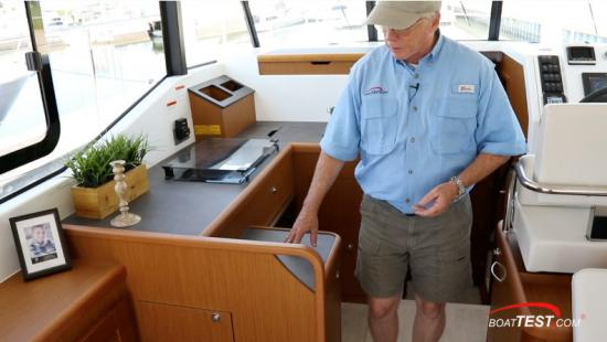 Beneteau Swift Trawler 35 aft counter