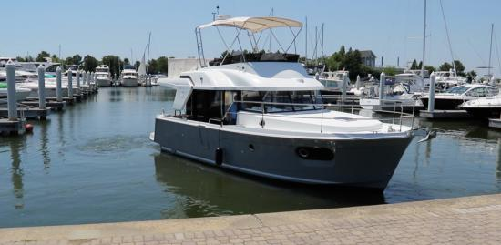 Beneteau Swift Trawler 35 idle
