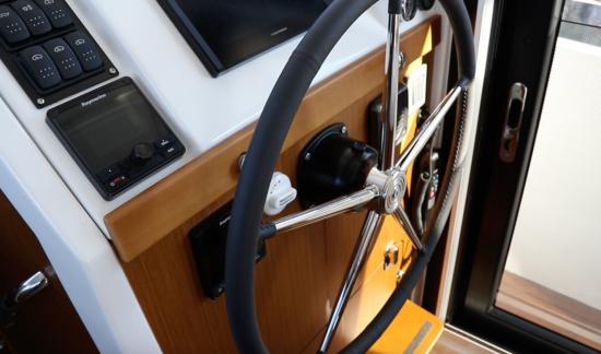 Beneteau Swift Trawler 35 instruments