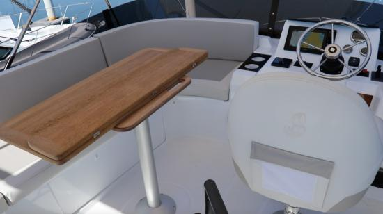 Beneteau Swift Trawler 35 port side lounge