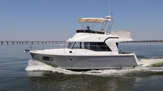 Beneteau Swift Trawler 35 profile