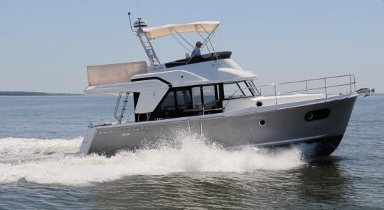Beneteau Swift Trawler 35 running