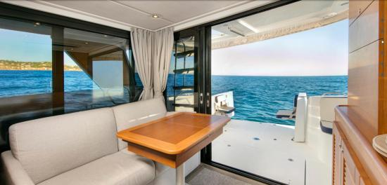 Beneteau Swift Trawler 35 salon