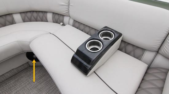 Bennington Q27 speakers