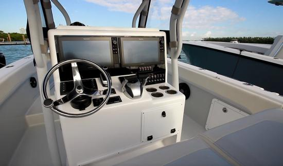 Bluewater 2850 helm wheel