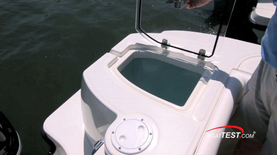 Boston Whaler 315 Conquest Pilothouse livewell