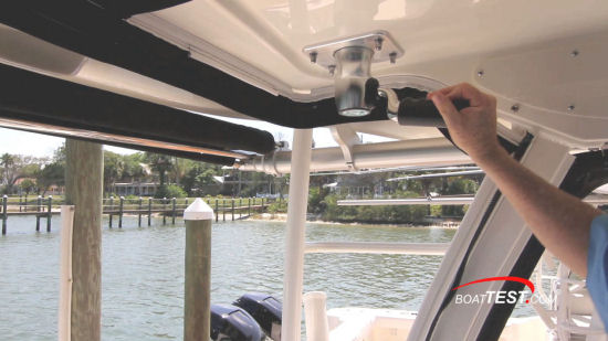 Boston Whaler 315 Conquest Pilothouse outriggers