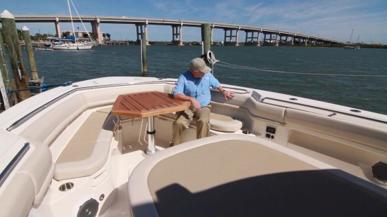Boston Whaler 380 Outrage notch