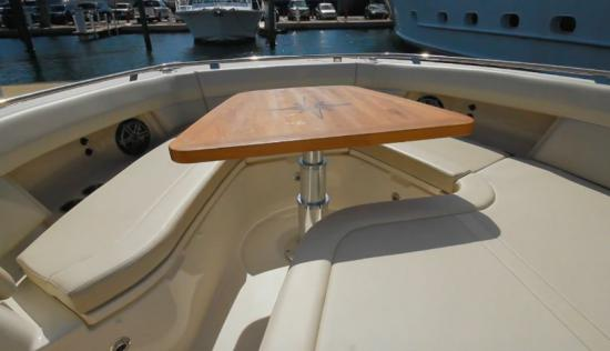 Boston Whaler 380 Realm bow table