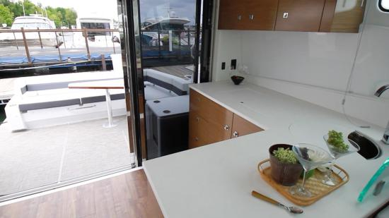 Cruisers Yachts 46 Cantius counter tops