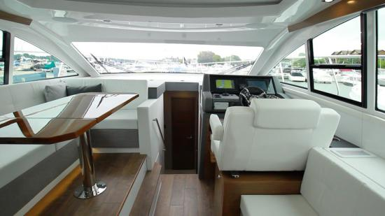 Cruisers Yachts 46 Cantius helm