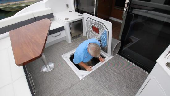 Cruisers Yachts 46 Cantius machinery space