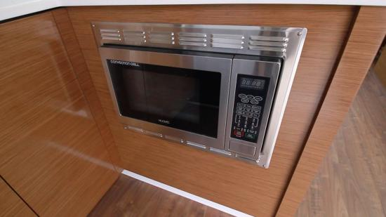 Cruisers Yachts 46 Cantius microwave