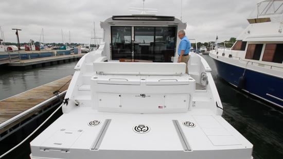 Cruisers Yachts 46 Cantius steps