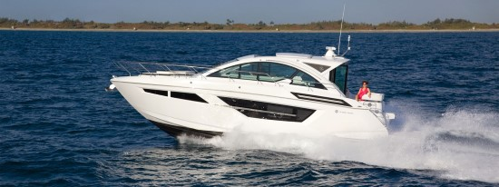 Cruisers Yachts 50 Cantius luxurious boat