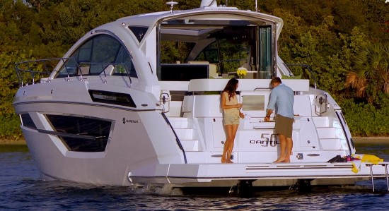 Cruisers Yachts 50 Cantius aft deck