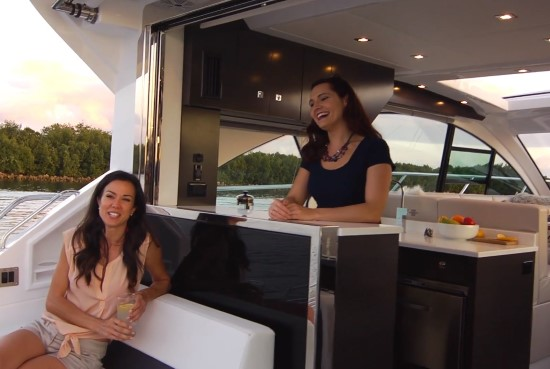 Cruisers Yachts 50 Cantius retractable window