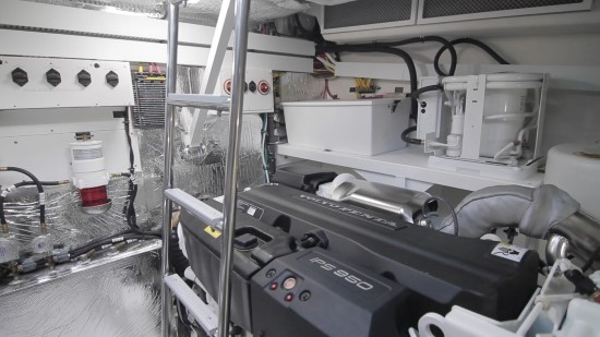 Cruisers Yachts 54 Cantius engine room