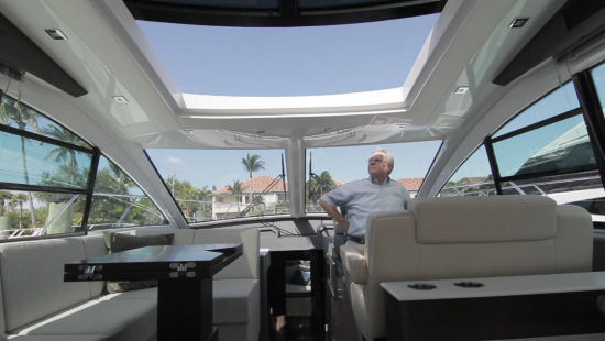 Cruisers Yachts 54 Cantius sun roof