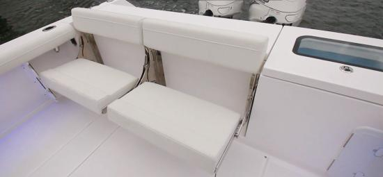 Everglades 335CC rear seats