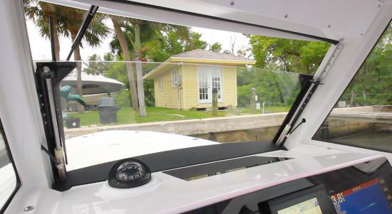 Everglades 335CC windshield