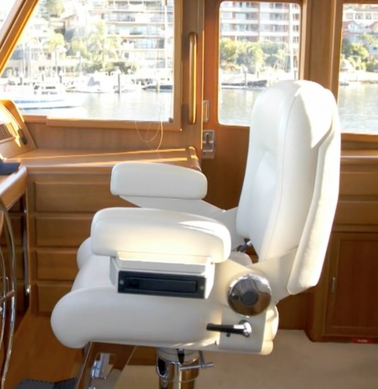 Fleming 55 helm chair