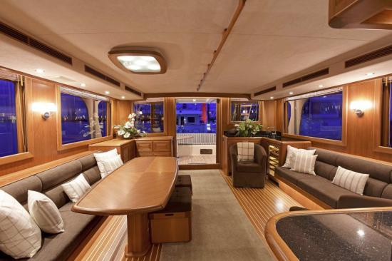 Fleming Yachts 78 salon