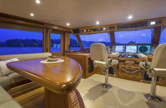 Fleming Yachts 78 settee