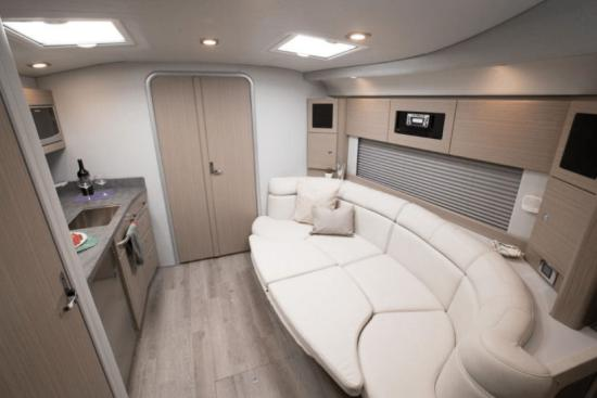 Formula 37 Performance Cruiser lounge